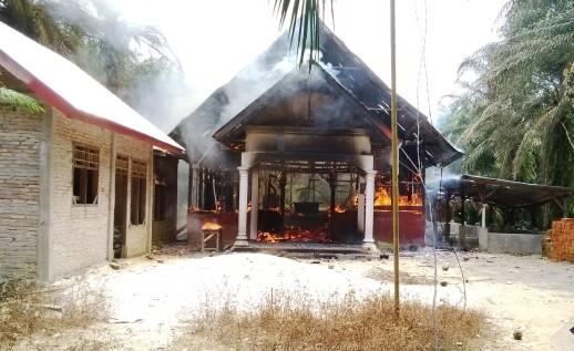 Yksi Acehissa lokakuussa poltettu kirkko. Kuva: World Watch Monitor