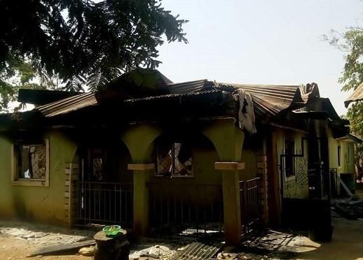 Fulanien viimeisimmän hyökkäyksen jälkiä eteläisessä Kadunan osavaltiossa. Kuva: World Watch Monitor